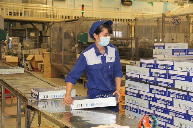 Việt Nam lần đầu xuất khẩu được sữa sang Trung Quốc