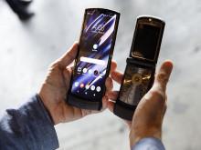 Motorola Razr chính thức tái sinh trong vóc dáng màn hình gập