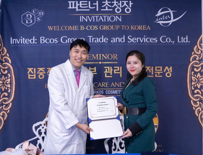 Chuyến thăm quan Nhà máy Intercos ở Hàn Quốc và Lễ kí kết hợp tác của Công ty CP Quốc tế DoPharma
