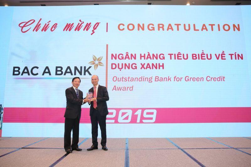 """Bac A Bank chính thức được vinh danh """"Ngân hàng tiêu biểu về Tín dụng xanh"""""""