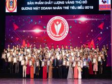 2 đại diện Công ty DOPHARMA nhận giải thưởng Doanh nhân trẻ tiêu biểu 2019