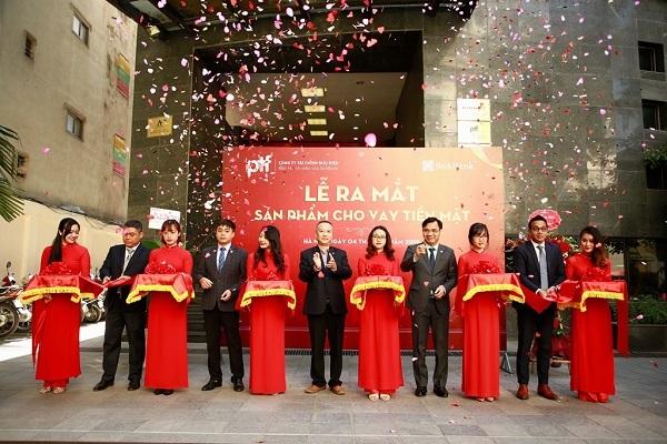 Công ty tài chính PTF (Thành viên của SeABank) giới thiệu sản phẩm cho vay tiêu dùng lên đến 100 tri