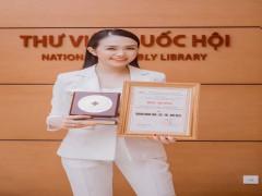 Chủ tịch CamelliaH group Trần Thu Hương nhận giải thưởng Nữ doanh nhân Tâm – Tài – Trí – Đức