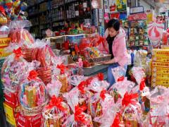 Bánh, kẹo Tết- hàng Việt chiếm ưu thế