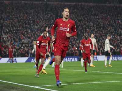Hạ MU, Liverpool hoàn tất bộ sưu tập chiến thắng tại Premier League