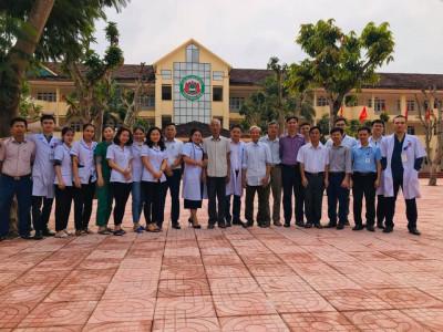 Bệnh viện Đa khoa Hồng Hà (Hà Tĩnh) khám bệnh miễn phí cho học sinh và giáo viên