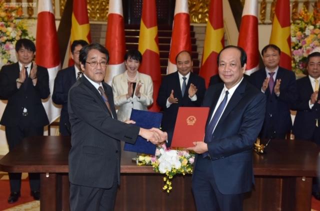 Thủ tướng Chính phủ tiếp Bộ trưởng Nội vụ, Thông tin và Truyền thông Nhật Bản