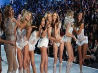 """""""Tiền bẩn"""" phía sau scandal chấn động của Victoria'a Secret"""