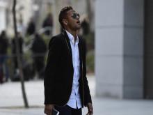 Cuộc kiện tụng dai dẳng của Neymar với Barca