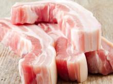 Thịt lợn hơi giảm giá, người tiêu dùng vẫn phải mua giá cao