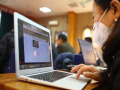 Phòng chống dịch corona: Nhiều trường học tổ chức dạy online