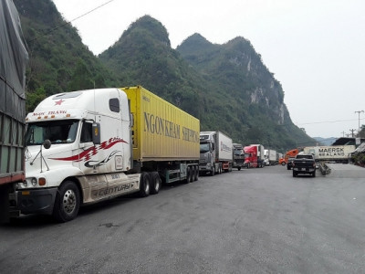Bộ Công Thương: Doanh nghiệp hạn chế đưa hàng hóa lên biên giới, trừ xuất khẩu chính ngạch
