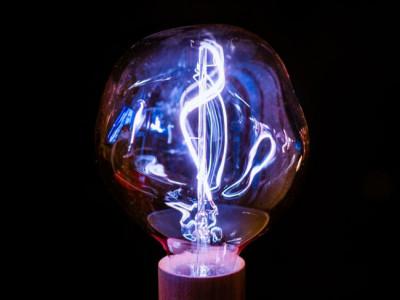 Khám phá thiết bị đặc biệt có khả năng tạo ra điện từ không khí
