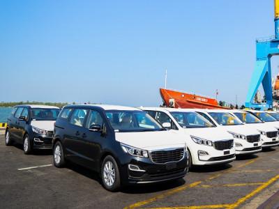 THACO xuất khẩu 40 xe du lịch Kia Grand Carnival sang Thái Lan