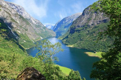 """""""Sững sờ"""" trước cảnh thiên nhiên hùng vĩ ở Na Uy"""