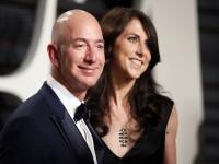 Vợ chồng Jeff Bezos xử lý hàng trăm tỷ USD thế nào sau vụ ly hôn thế kỷ?