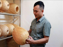 Độc đáo mô hình khởi nghiệp từ hạt gạo và tre của thanh niên vùng cao