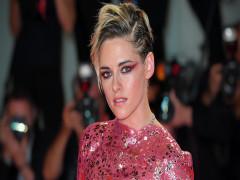 Kristen Stewart - từ bình hoa di động đến biểu tượng tomboy mới