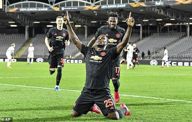 """Không phải CR7 hay Rooney, Ighalo là """"siêu dự bị"""" ở MU như… Solskjaer"""