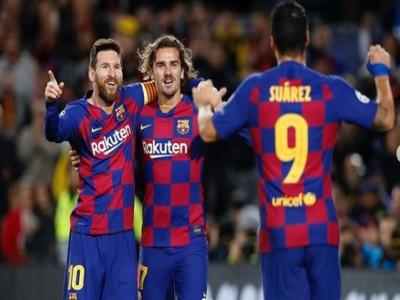 Messi cùng đồng đội giảm 50% lương để 'cứu' Barca