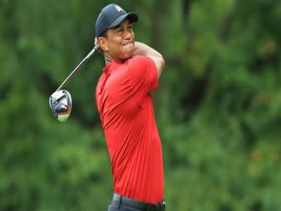 """Điều gì làm nên kỹ thuật gạt bóng golf """"đỉnh cao"""" của huyền thoại Tiger Woods?"""