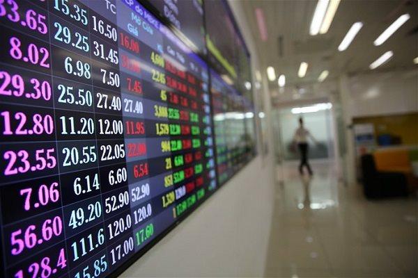 """Covid-19 """"cuốn trôi"""" 44 tỉ đô la vốn hóa của thị trường chứng khoán"""