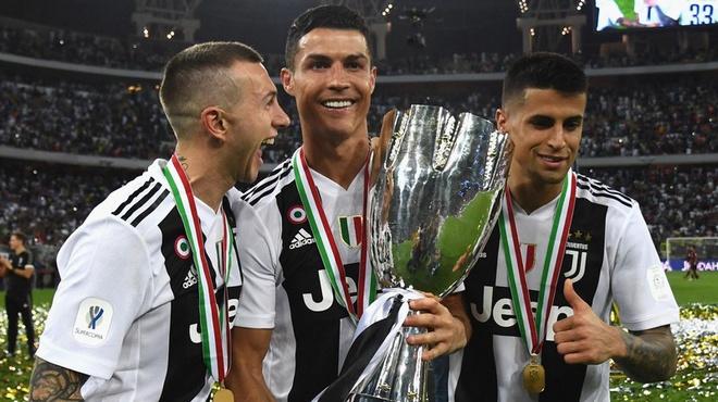 Ronaldo có thể ngay lập tức vô địch Serie A vì dịch Covid-19