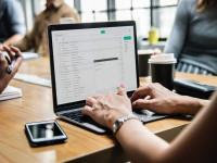 Thực hiện cách ly xã hội: Công chức, viên chức Hà Nội sử dụng công nghệ thông tin làm việc tại nhà