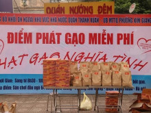 Đảng bộ Khối doanh nghiệp ngoài KVNN Quận Thanh Xuân (Hà Nội) trao tặng hơn 2.000 suất quà