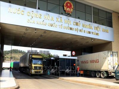 Xuất khẩu gần 38.500 xe hàng hóa qua các cửa khẩu biên giới phía Bắc