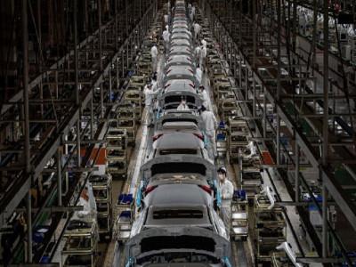 PMI tăng trở lại, kinh tế Trung Quốc chưa thoát khỏi vùng nguy hiểm