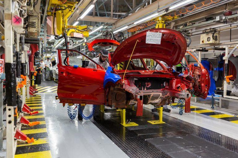 Công nghiệp ô tô châu Âu khủng hoảng 'tồi tệ' vì đại dịch Covid-19
