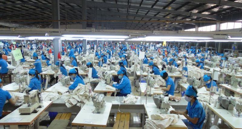 """Vì sao các chuyên gia quốc tế có niềm tin mạnh mẽ là kinh tế Việt Nam sẽ """"bật trở lại"""" hậu Covid-19?"""