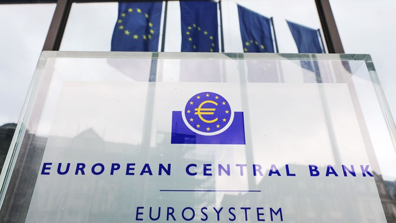 ECB nới lỏng quy định cho vay chưa từng có giữa đại dịch COVID-19