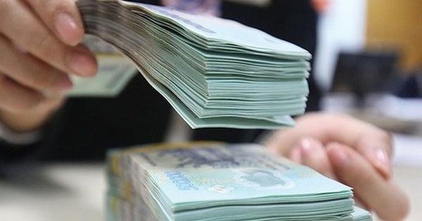 Ngân hàng rút tiền mạnh
