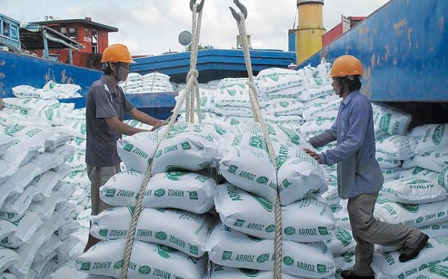 Covid-19 khiến kinh tế Việt Nam suy giảm nhưng vẫn ở mức cao khu vực châu Á