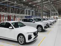 Thị trường ô tô tiếp tục lao dốc