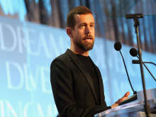 Triết lý từ thiện suốt đời của CEO Twitter: Khi người khác đau khổ, tôi cũng cảm thấy như vậy!