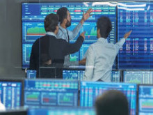 Thị trường chứng khoán đón lượng nhà đầu tư mới kỷ lục
