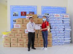 TP. HCM: Tặng hàng ngàn nhu yếu phẩm cho người bại liệt, người già neo đơn