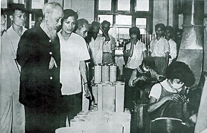 """Chủ tịch Hồ Chí Minh và yêu cầu """"hai đoàn kết"""" với ngành thương nghiệp"""