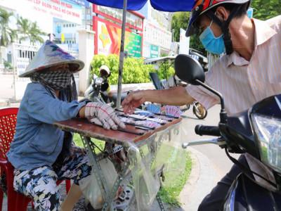 Bà Rịa - Vũng Tàu: Người bán vé số kỳ vọng vào sức bật mới