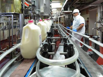 Nhà máy sữa Driftwood của Vinamilk tại Mỹ chung tay hưởng ứng chiến dịch hỗ trợ cộng đồng