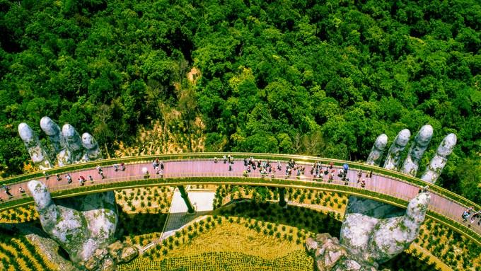 Khuyến khích người Việt Nam đi du lịch Việt Nam