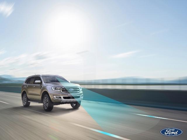 Tiện nghi và an toàn cùng công nghệ kết nối trên xe hơi