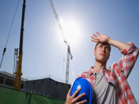 Chuyên gia cảnh báo gia tăng đột quỵ mùa nắng nóng