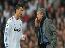 Ronaldo suýt bật khóc và muốn đánh Mourinho