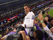 Là cầu thủ đầu tiên có 1 tỷ USD, Cristiano Ronaldo kiếm và tiêu tiền ra sao?