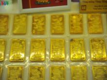 Giá vàng đầu tuần giảm mạnh, rời xa mốc 49 triệu đồng/lượng