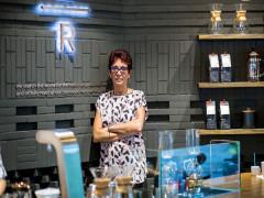 Mở 64 cửa hàng sau 7 năm, Tổng Giám Đốc Starbucks Việt Nam nói gì về con số